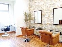 ジェム デザイン ヘアサロン(gem Design Hair Salon)の雰囲気(リラックスできる、落ち着いた雰囲気の個室も完備)