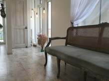 リトア(Litoa)の雰囲気(アンティークな家具も。。)