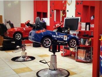 カリーナ 焼津店(Carina)の写真/【キッズスペースあり◎】ショッピングモール内にあるから、ご家族で通いやすいアットホームなサロンです♪