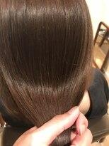 オハナ(ohana)【ohana/表参道】秋色艶髪イルミナカラー×ネイビーグレージュ。
