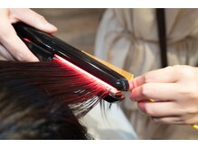 お客様の髪質改善のために全力を注いでいます。 髪質に合わせてトリートメントを提案いたします。