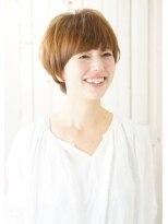 ゆれる毛束が可愛いナチュラルヘア