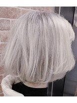 センシズヘアーデザイン 八王子(SENSES hair design)white blond