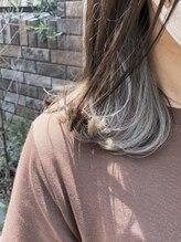 アレッタ ヘア オブジェ(ALETTA HAIR objet)インナーカラー×ホワイト【岡田孝大】