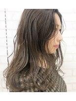 ルッツ(Lutz. hair design)シアベージュセミロング