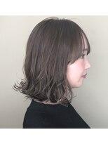 ヘアースペース ブイ(hair space V)透明感シアーベージュ束感ミディアム