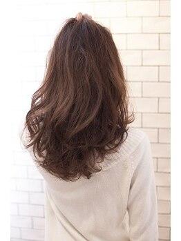 センスプラス(sense+)の写真/数十種類の中から一人一人の髪質に合わせ 触れたくなるような美髪へ導きます☆