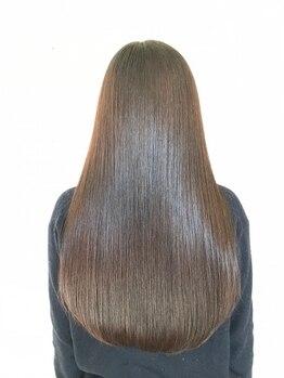 ヘアーラボ ユニの写真/UNIオリジナル【髪質改善ヘアエステ】髪1本1本に栄養をチャージ!保水力を高めまとまるうるツヤ髪へ♪