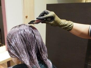 ルーツ(Roots)の写真/イルミナカラーでやわらかな印象に♪外国人風の髪のような透明感とダメージレスな仕上がり!ツヤ感もUP★