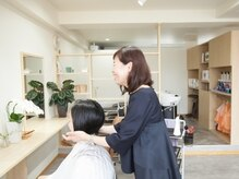 ヴィサージュ(VISAGE)の雰囲気(ご自身の髪を使って行う頭皮診断。毛(モウ)活はじめませんか?)