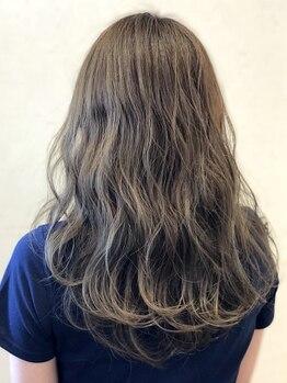 リエートビタ 栗生(Lieto vita)の写真/明るく染められない、傷んでしまう…そんなイメージを覆す極美ヘア♪白髪をカバーしつつお洒落を楽しんで◎