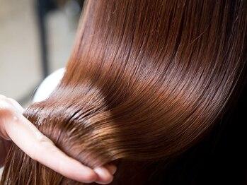 ヘアーサロン シェール(hair salon Cher)の写真/髪をケアしながら綺麗なサラツヤストレートヘアに◎うねりが気になる方、広がりが気になる方にオススメ!
