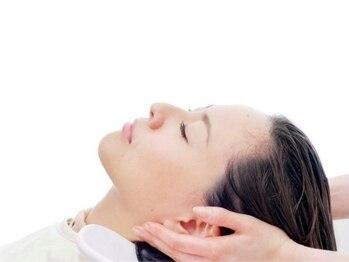 ニコバイミュゼ(nico.bymusee)の写真/日々の疲れをリフレッシュ♪頭皮マッサージで疲労回復&毛穴から綺麗になることでツヤのある髪へ―。