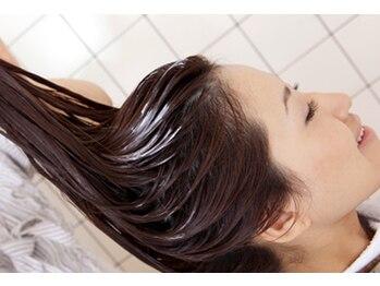センスプラス(sense+)の写真/【頭皮ケアをしながら癒される極上の時間…♪】毎日美しい髪でいたいあなたに。