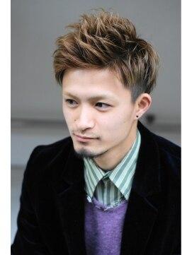 フューア(fur)人気No.1 !!! 『ツーブロックショート×ハイトーンアッシュ』