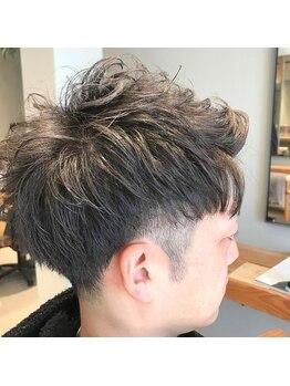 アヴァカブヘアライフ(avacab HAIR LIFE)の写真/プライベートもお仕事もカッコよくキマるスタイルを提供。バリカンを使わない刈り上げスタイルが人気です☆