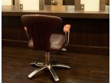 ヘアスタジオ コモ(HAIR STUDIO COMO)の雰囲気(椅子はイタリアの超一流ブランド「カッシーナ」を使用しています)