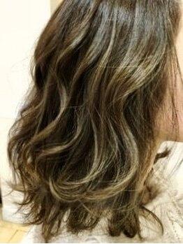 ヘアクリエイト ギブ(hair create Give)の写真/いつものカラーにちょっとした変化を♪透明感&柔らか味あるベースカラーやこっそりインナーや裾カラーも◎