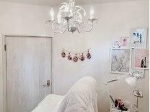 ビューティーアンドフリー ハチ(Beauty&Free 8 HACHI)の雰囲気(アイラッシュ、アイブロウ専用の完全個室を完備してます☆)