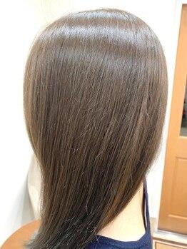 ルッカ(Rucca)の写真/ダメージが少なく、白髪を染めながら頭皮ケアができるこだわりのカラー剤、ルビオナカラーを使用♪