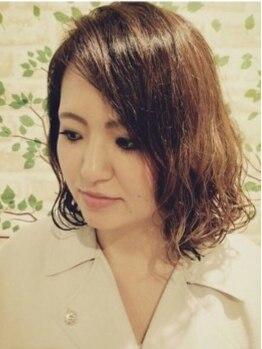 アンプヘアー(A・M・P hair)の写真/【全員/ハーブカラー&カット&トリートメント¥7300】上品なブラウンカラーで顔色を明るく、若々しい印象に