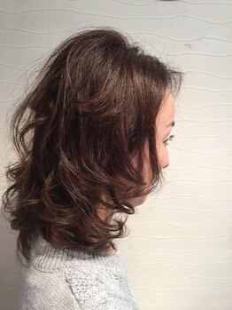 チャオ(CIAO)の写真/グレイカラーは、自然な大人女性から支持★明るい白髪染めも◎1人1人に似合うカラーを提案してくれます!
