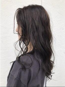 ヘアーデザインハル(hair desigin hal)の写真/軽やかパーマでヘアチェンジ☆低音で仕上げるニュアンスパーマは柔らかい仕上がりで絶妙な動きまで再現♪
