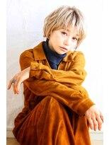 アンフィフォープルコ(AnFye for prco)【AnFye for prco】ホワイトカラー × 毛束感ショートヘア