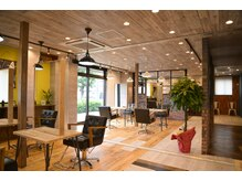 アグ ヘアー バラン 国分店(Agu hair ballan)の雰囲気(ゆったり寛げる空間。家にいるようにRelax。)