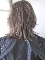リビングユー(Livingu you)無造作外ハネ毛束感動きと軽さのある3Dハイライトミディアムロブ