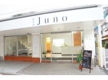 ジュノ(Juno)の雰囲気(白を基調とした、明るい店舗です。)