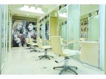 美容室 パトラ(PATORA)の雰囲気(1Fはバリアフリーで明るい雰囲気です。WIFI完備。)