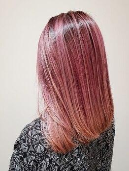 タクミカルム TAKUMI CALMEの写真/髪に優しい『AVEDAカラー』で深みのある艶やかな髪色♪カラーデビュー/イメチェンはTAKUMI CALMEにお任せ☆