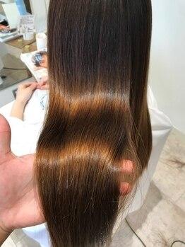 グリフィカ(griFFica)の写真/質感仕上りにお客様から感動の声多数!柔らかな艶髪をダメージ最小限に。圧倒的なツヤ!!髪質改善縮毛☆