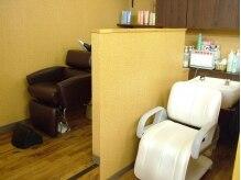 美容室 トロの雰囲気(腰に負担をあまりかけないリアシャンプー。)