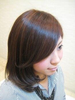 ティアラボックスタウン Tiara BoxTown箱崎店の写真/オーダーメイドの《Aujuaトリートメント》で理想の髪質を実現!年齢とともに変化する髪のお悩みに。