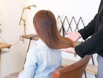 ムクヘアー(MUKU HAIR)の写真/《イルミナ》と《グレイカラー》はもちろん!あなたのなりたい髪色が見つかる《ホイルカラー》とは!?