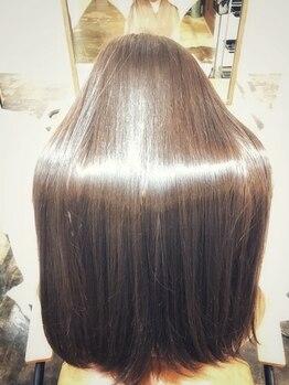 ナナイロ(NANAIRO)の写真/【髪質改善◎】一人一人の髪のクセやうねりに合わせて施術!艶と潤いたっぷりの自然なストレートに◇