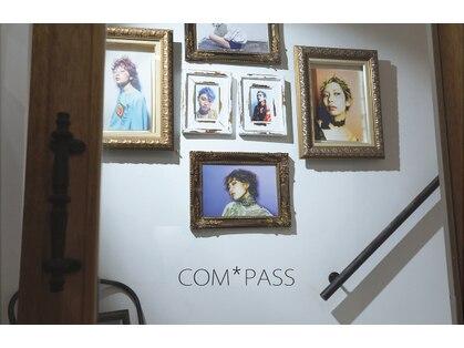コンパス(COMPASS)の写真