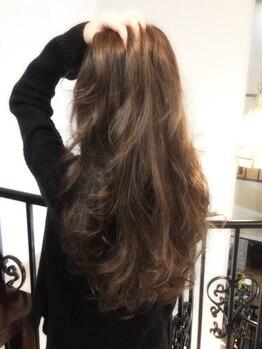 """ヘアールーム ラジェム(Hairroom La.gemme1)の写真/風になびく髪に男女問わずドキッ…☆女性の""""色気""""を引きたてるカットで周りの視線を一人占め♪"""
