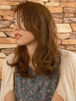 エルサフィログラシアス(el zafiro GRACIAS)の写真/明るい白髪染めも思いのまま!自然な色合いと艶で上質な深みのある仕上がりに。髪と頭皮に優しいカラー♪