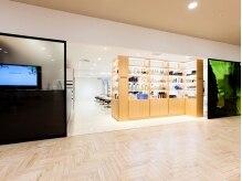 スパイス ヘア アヴェダ 千里中央店(SPICE HAIR AVEDA)の雰囲気(千里大丸プラザ[オトカリテ]3F。明るく広々したサロンスペース!)