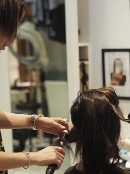 イズム 北千住店(ISM)の写真/髪のお悩み解決サロン☆お客様に寄り添ったカウンセリングで、髪のお悩みやお手入れ方法もしっかりご提案♪