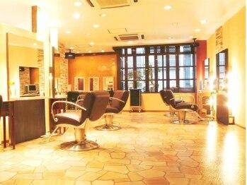 美容室 髪物語の写真/【堺東駅すぐ/アクセス◎】プライベート空間で、信頼できるベテランスタイリストが丁寧に施術。