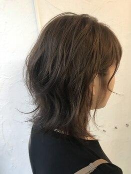 ルートファイブ(ROUTE FIVE)の写真/「すーっと」疲れを癒してくれるヘッドスパで至福の時間を♪リラックス効果もあり、頭皮も髪も健やかに…◎