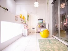 パース 鴻巣店(Perth)の雰囲気(白を基調とし、明るい雰囲気で入りやすい店内♪)