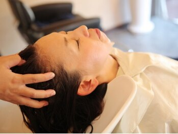 アンベリィ(In bellir)の写真/髪の悩みは、髪のマイスターにお任せ!!ハーブエステの悩み別コースで、頭皮環境正常化&デオドラント効果◎