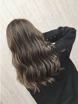 マーブルヘアラボ(marble Hair Lab.)の写真/外国人風バレイヤージュ/グラデーション/ハイライトなど…トレンドを取り入れたお洒落カラーもお任せ◎