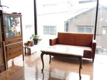 サボン美容室(SAVON)の雰囲気(アンティークな家具に囲まれてゆったりと☆)