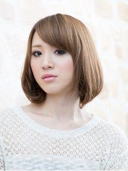プラニコの写真/【プラニコの明るめグレイカラーで若々しい印象に―。】白髪染めの印象を変え、潤い艶カラーで色味を堪能♪